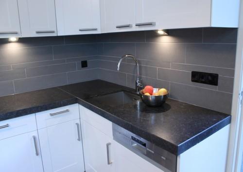 Keuken keuken wandtegels inspirerende foto 39 s en idee n van het interieur en woondecoratie - Betegelde rode badkamer ...
