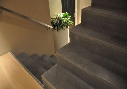 Belgisch hardsteen trap