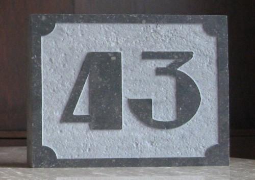 Belgisch hardsteen huisnummer