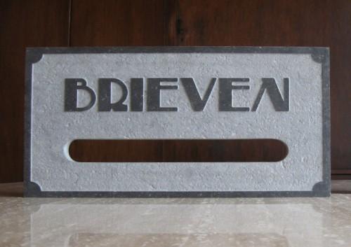 Belgisch hardsteen brievenbus