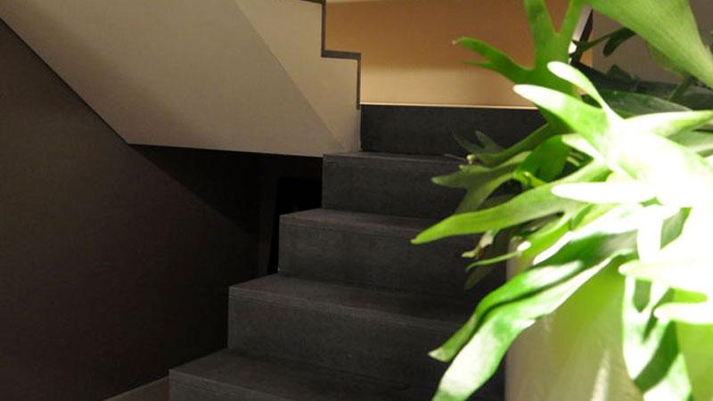 Natuursteen trappen en bordessen